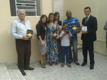 Ouvintes Recebendo Brindes em São José dos Campos - SP